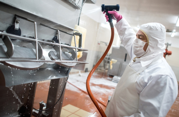Cleaning and Sanitation Training for Food Processors