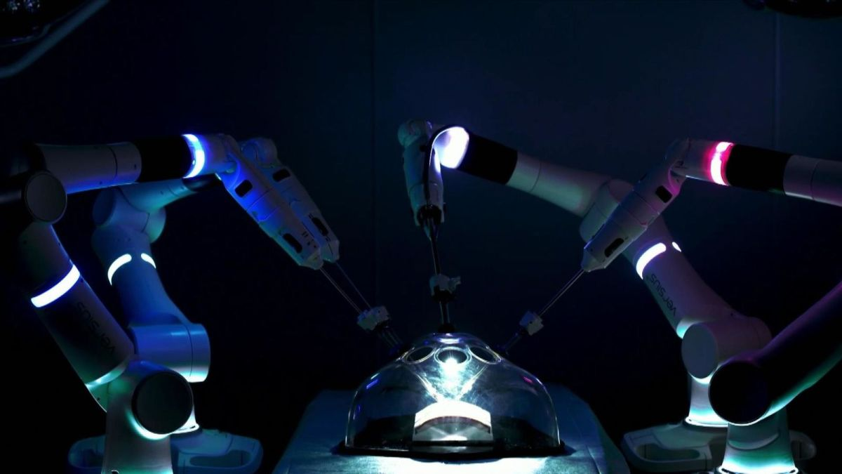 Robotic surgeons set to spark 'revolution in healthcare'